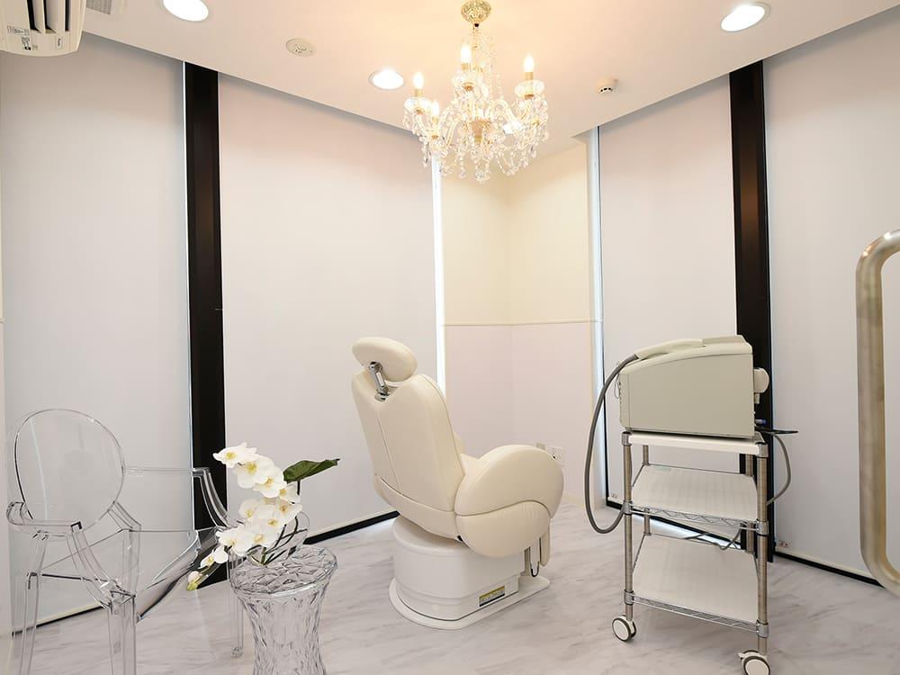 自由が丘美容皮膚科 しみ、しわ、にきび治療 Mスキンケアクリニック 処置室